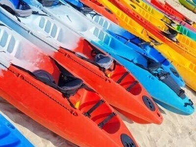 Kayak protected by Solarkote® PMMA resins from Altuglas, Arkema Group